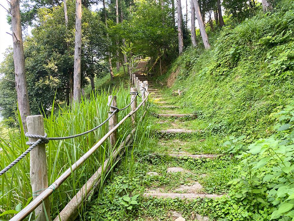 守山西公園 遊歩道階段