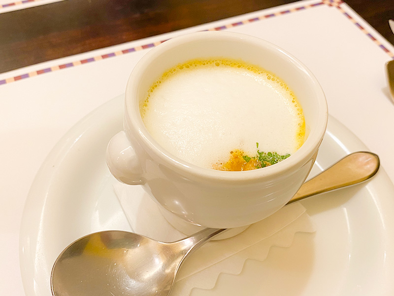 ninosa カボチャの温かいスープ