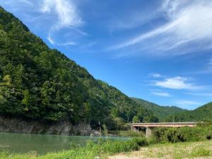 白川町の景色:鷲原橋と飛騨川