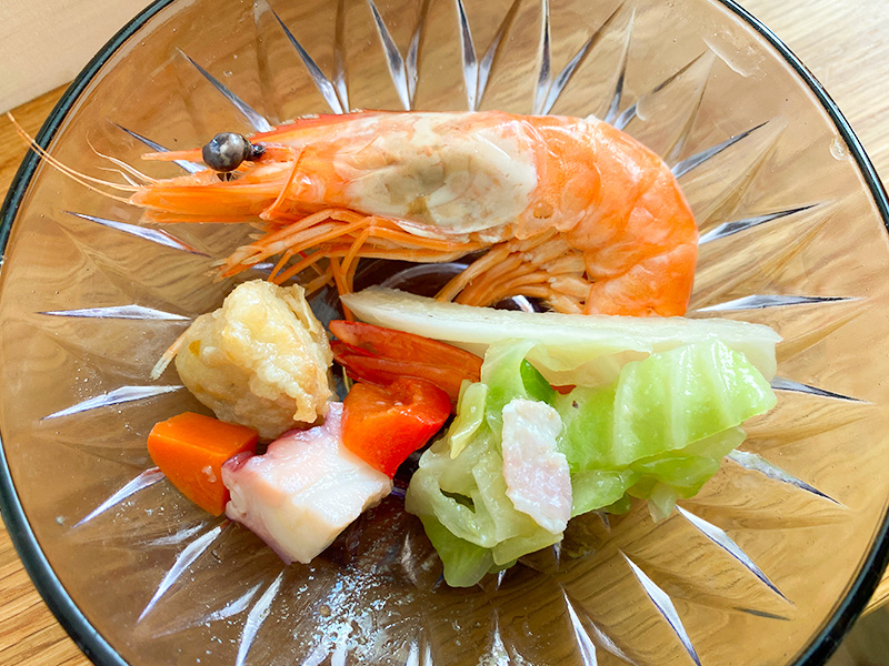 天使の海老とキャベツのブリゼ、沼津港よりスズキのエスカベッシュとタコのマリネと野菜のコリアンダー風味